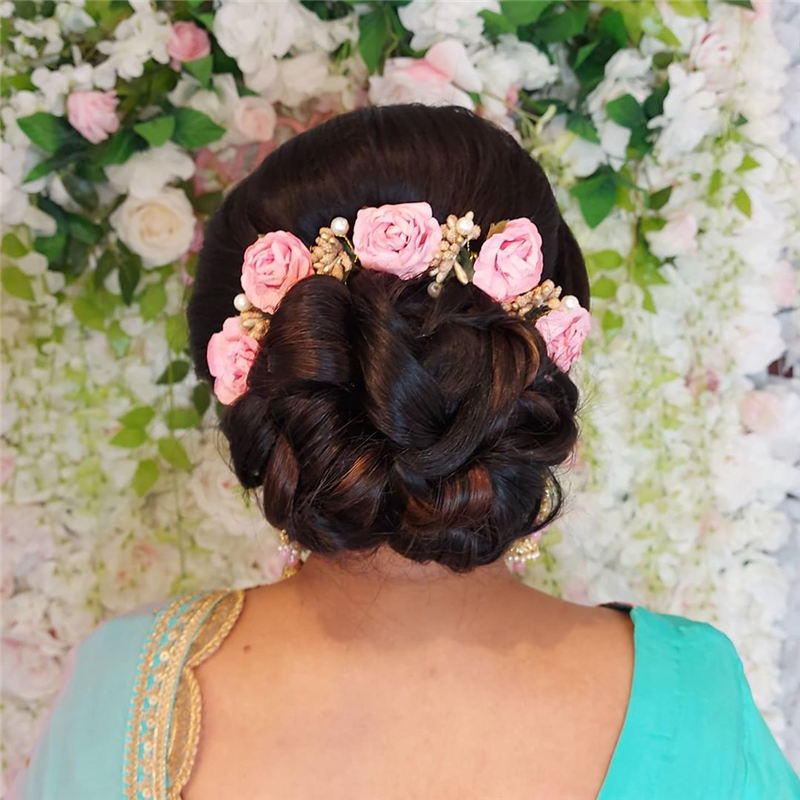 New Wedding Updo Ideas for Your Trendy Looks 24