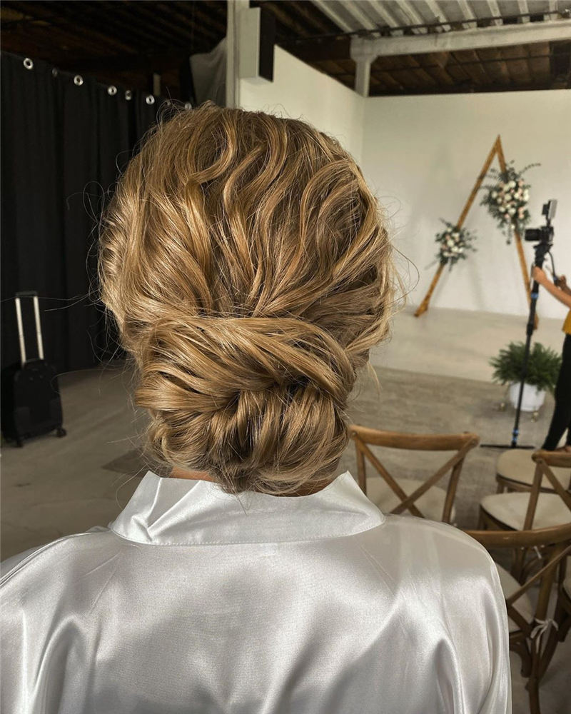 New Wedding Updo Ideas for Your Trendy Looks 29