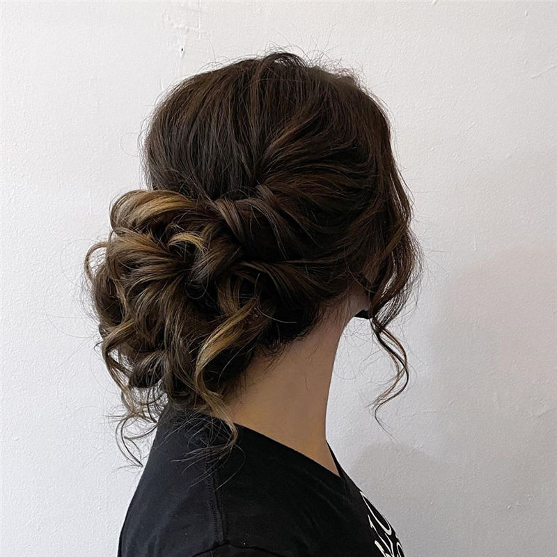 New Wedding Updo Ideas for Your Trendy Looks 30