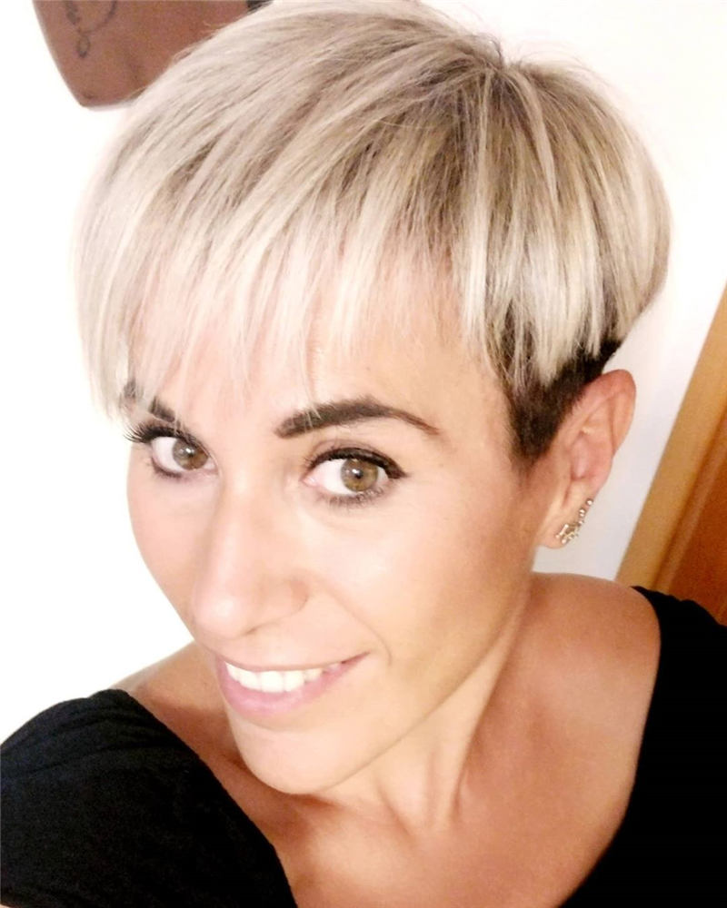 Stunning Short Haircuts for Women This Year 04