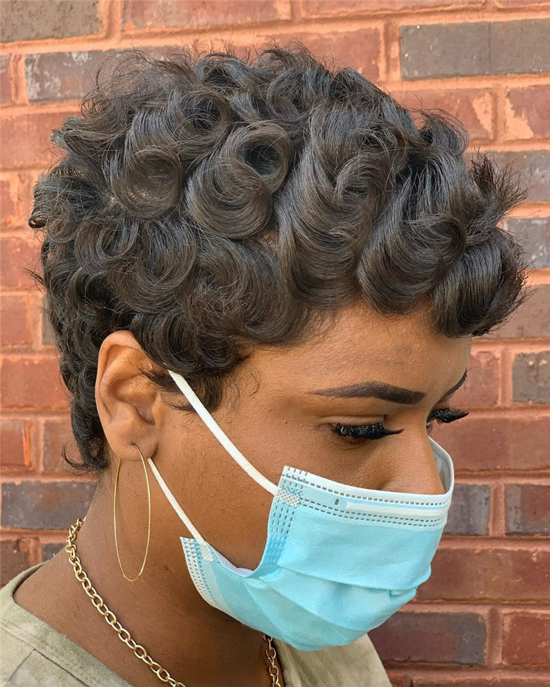 Stunning Short Haircuts for Women This Year 104