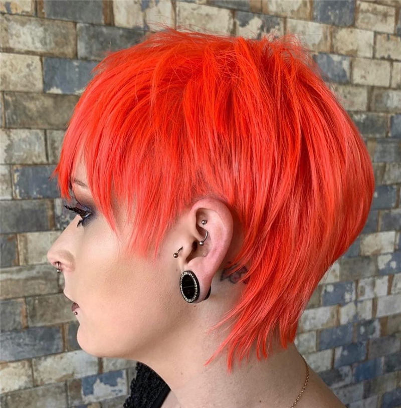Stunning Short Haircuts for Women This Year 17