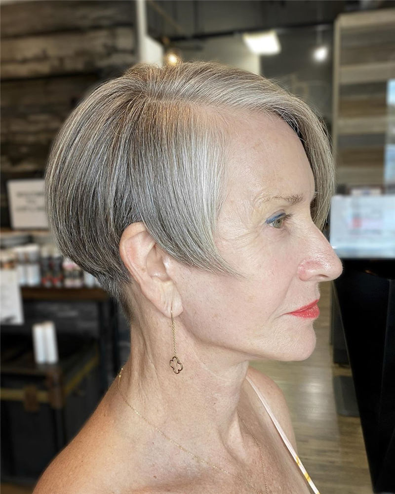 Stunning Short Haircuts for Women This Year 24