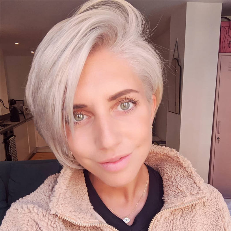 Stunning Short Haircuts for Women This Year 28