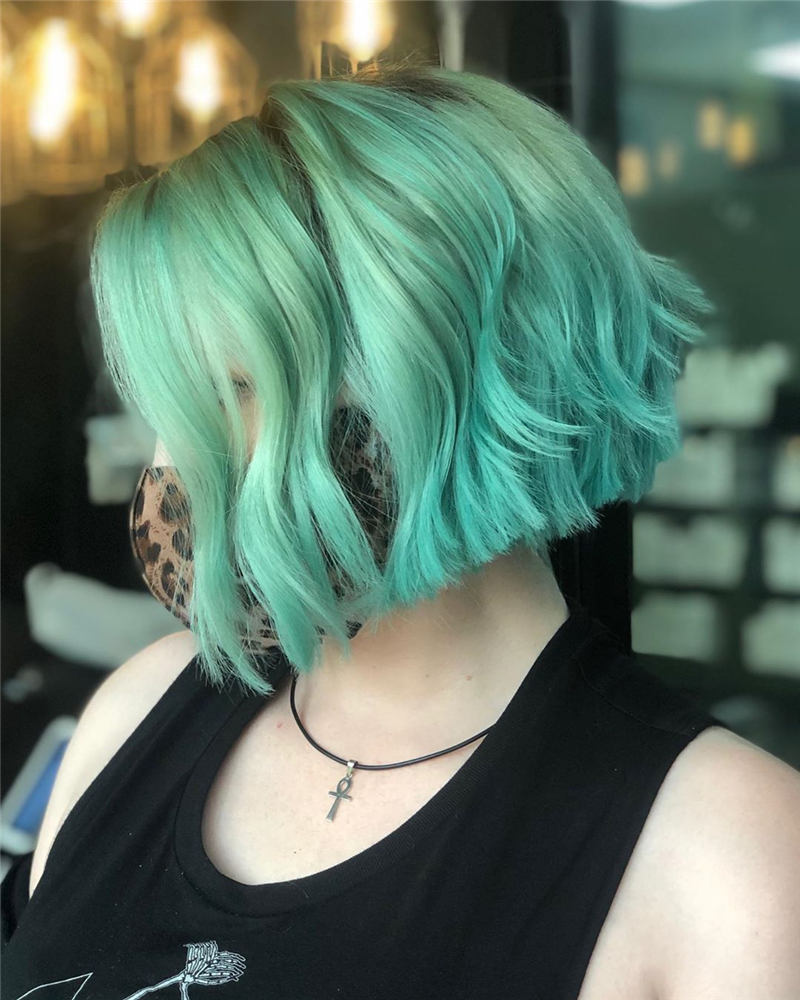 Stunning Short Haircuts for Women This Year 36