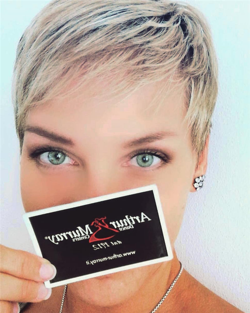 Stunning Short Haircuts for Women This Year 42