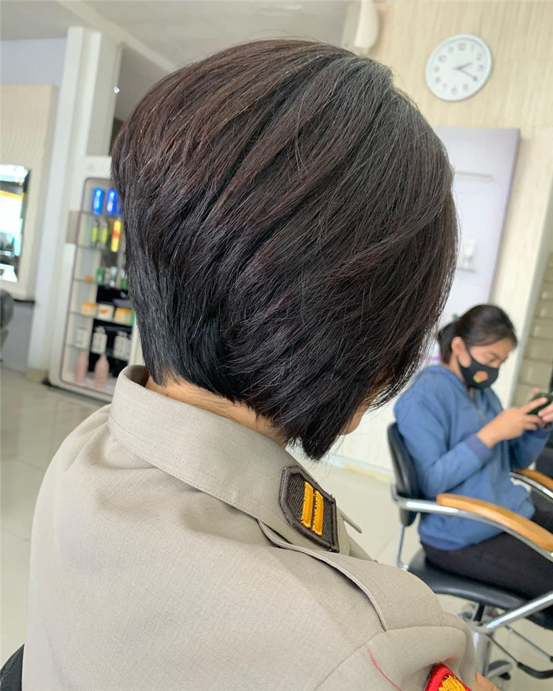 Stunning Short Haircuts for Women This Year 50