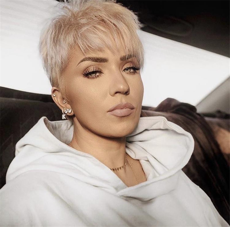Stunning Short Haircuts for Women This Year 59