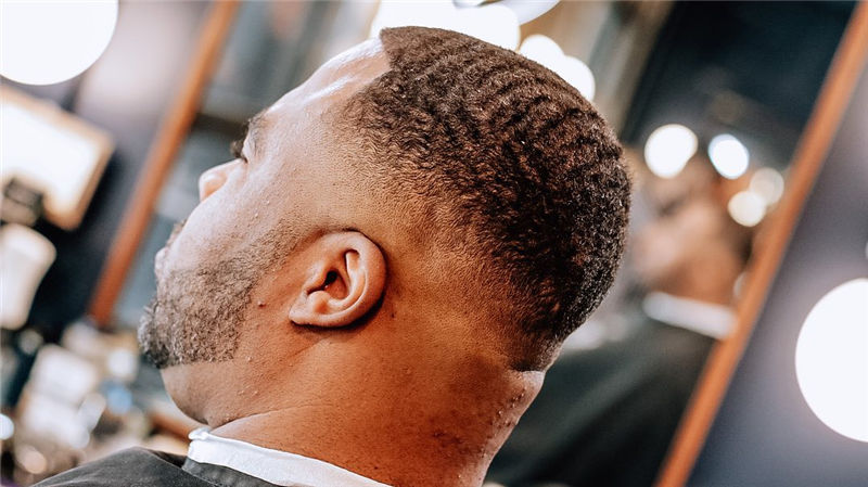 Stylish Fade Haircuts for Black Men 2021 01