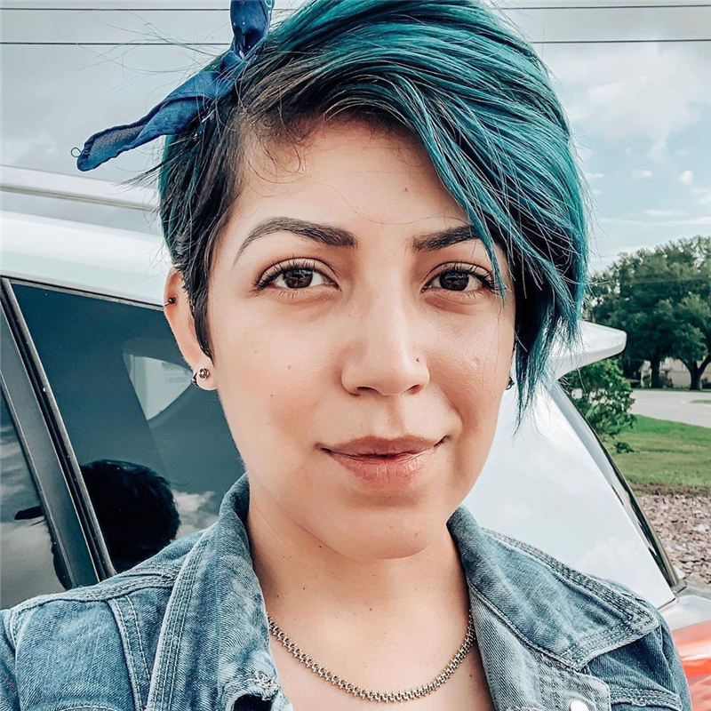 Short Blue Haircuts That Will Trend in 2021 03