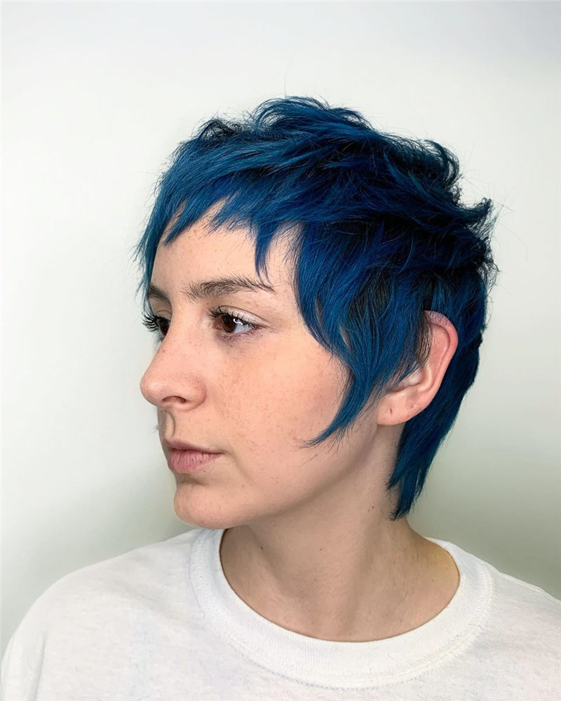 Short Blue Haircuts That Will Trend in 2021 14