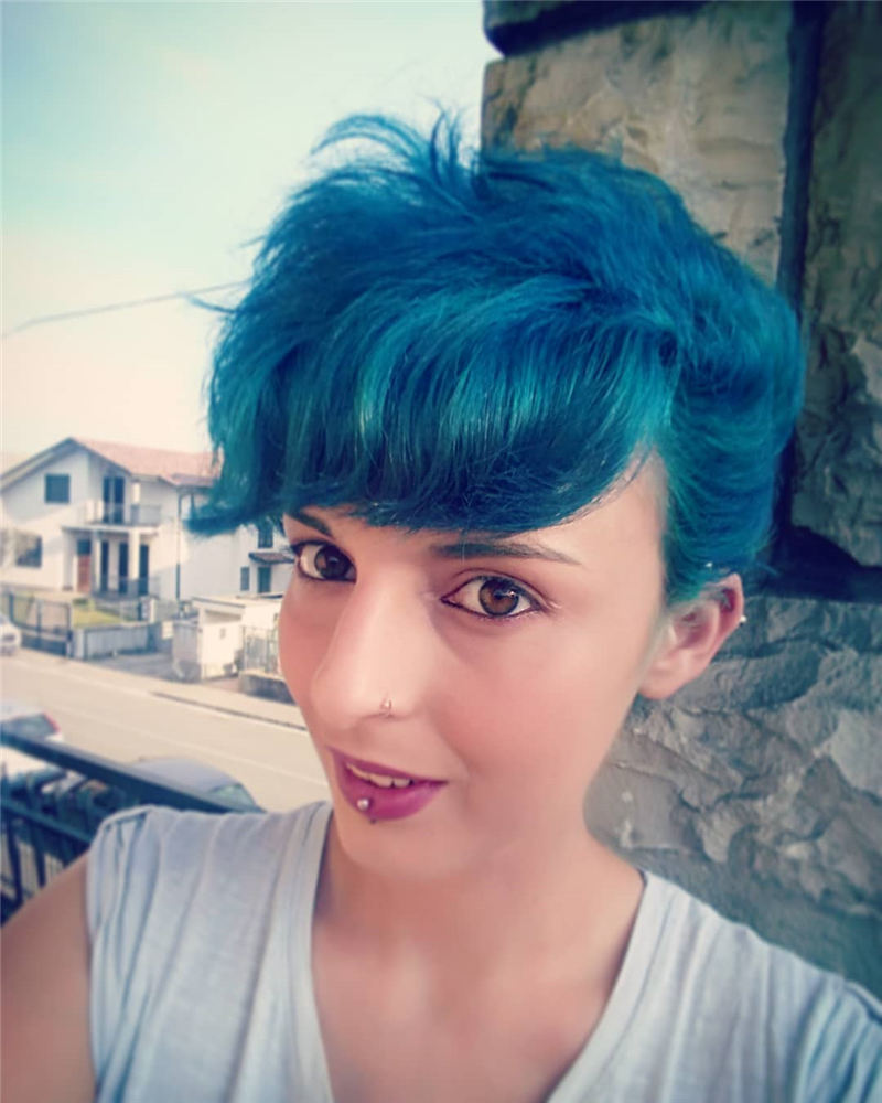 Short Blue Haircuts That Will Trend in 2021 20