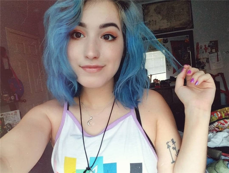 Short Blue Haircuts That Will Trend in 2021 29