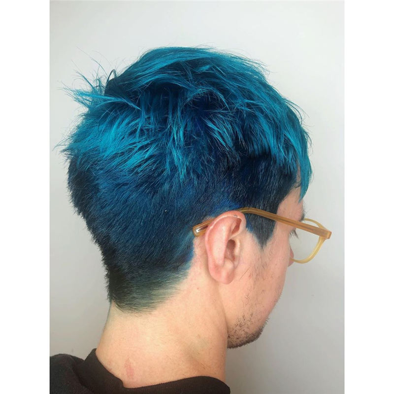 Short Blue Haircuts That Will Trend in 2021 30