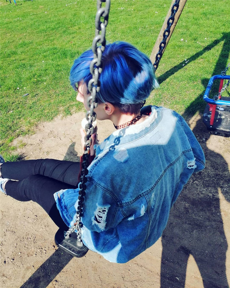 Short Blue Haircuts That Will Trend in 2021 34