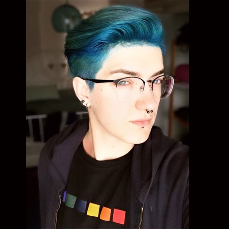 Short Blue Haircuts That Will Trend in 2021 36