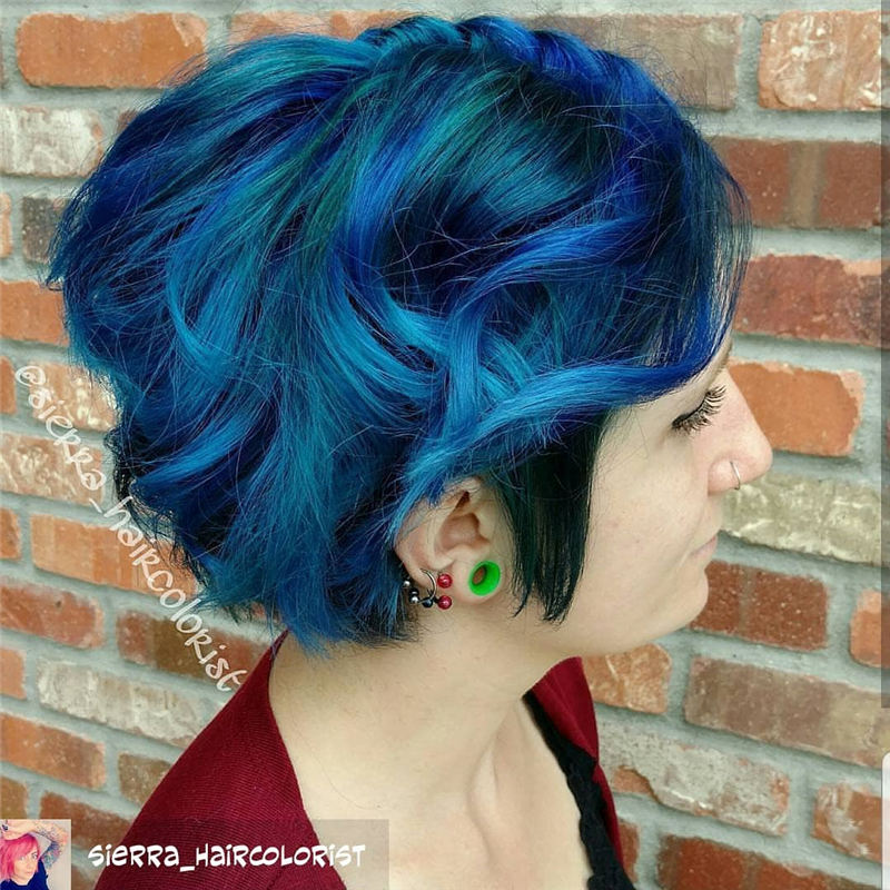 Short Blue Haircuts That Will Trend in 2021 43