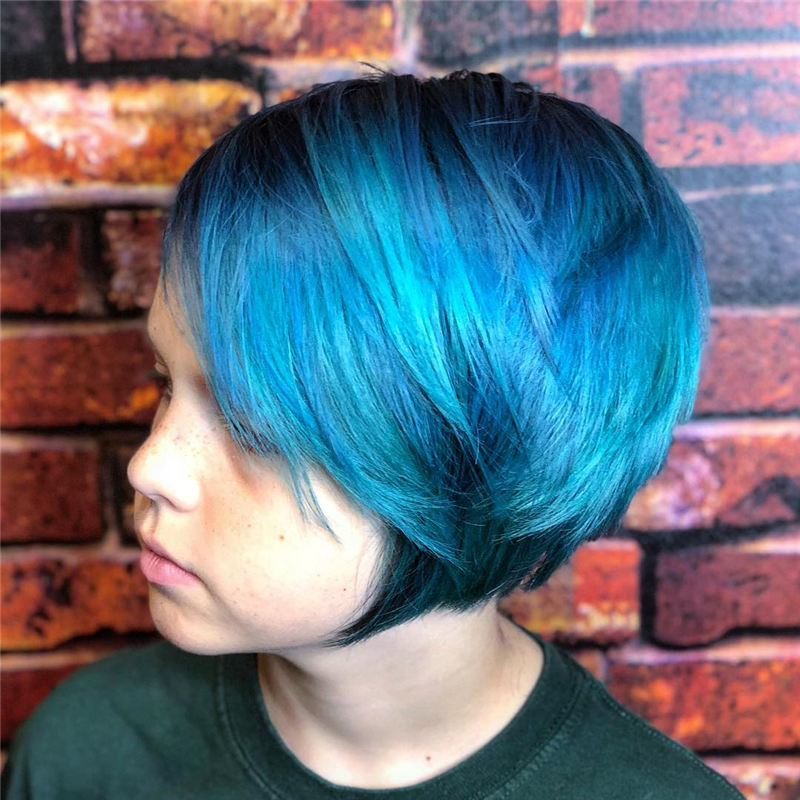 Short Blue Haircuts That Will Trend in 2021 46
