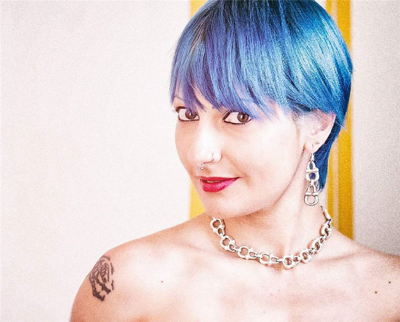 Short Blue Haircuts That Will Trend in 2021 49