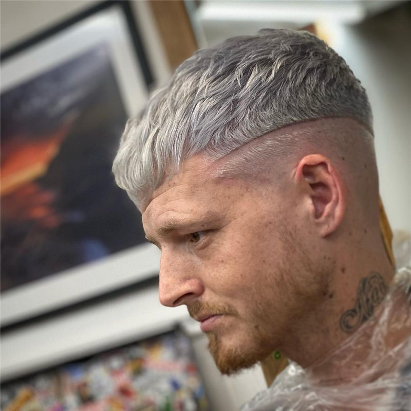 Coolest Short Haircuts for Men Most Popular Styles for 2021 25