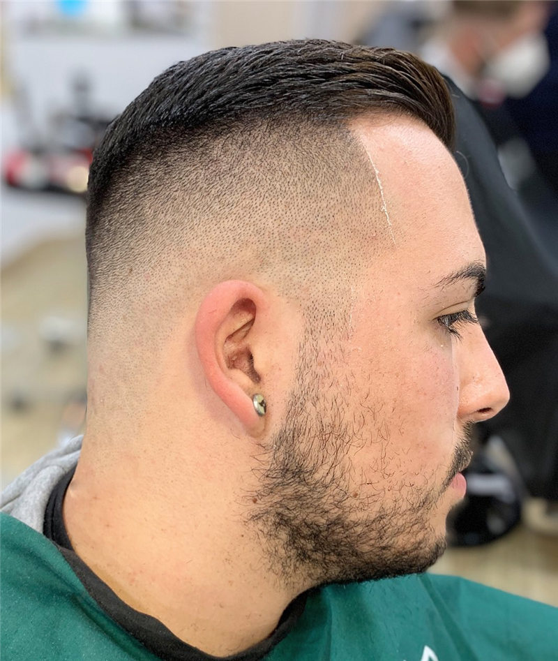 Coolest Short Haircuts for Men Most Popular Styles for 2021 42