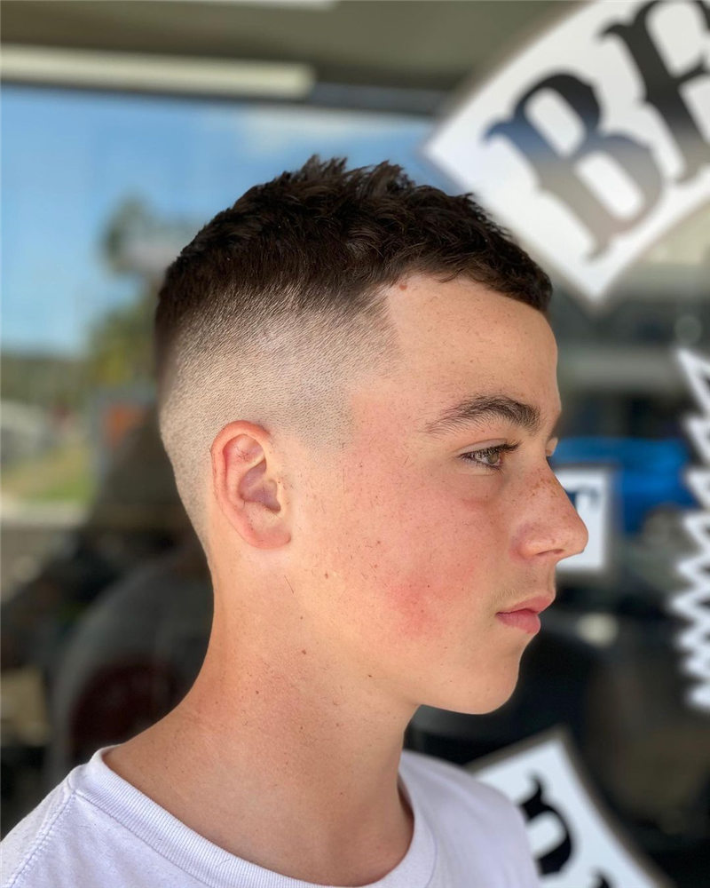 Coolest Short Haircuts for Men Most Popular Styles for 2021 49