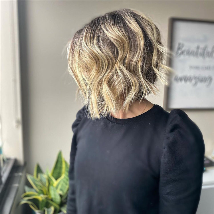 Incredible Short Inverted Bob Haircuts to Get You Inspired in 2021 01
