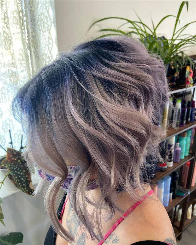 Incredible Short Inverted Bob Haircuts to Get You Inspired in 2021 04