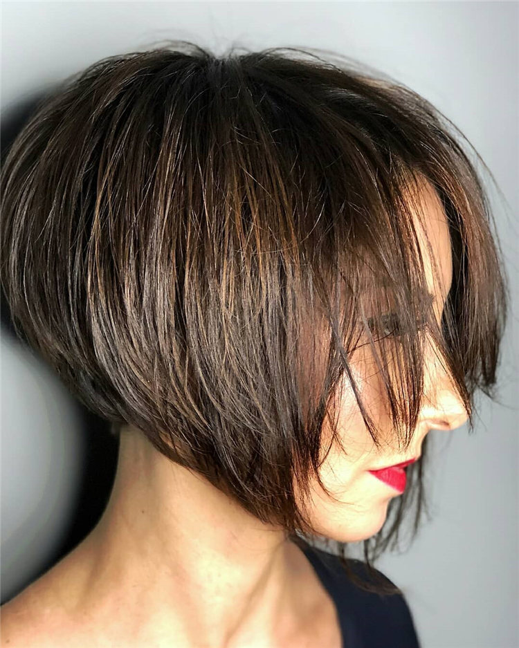 Incredible Short Inverted Bob Haircuts to Get You Inspired in 2021 09