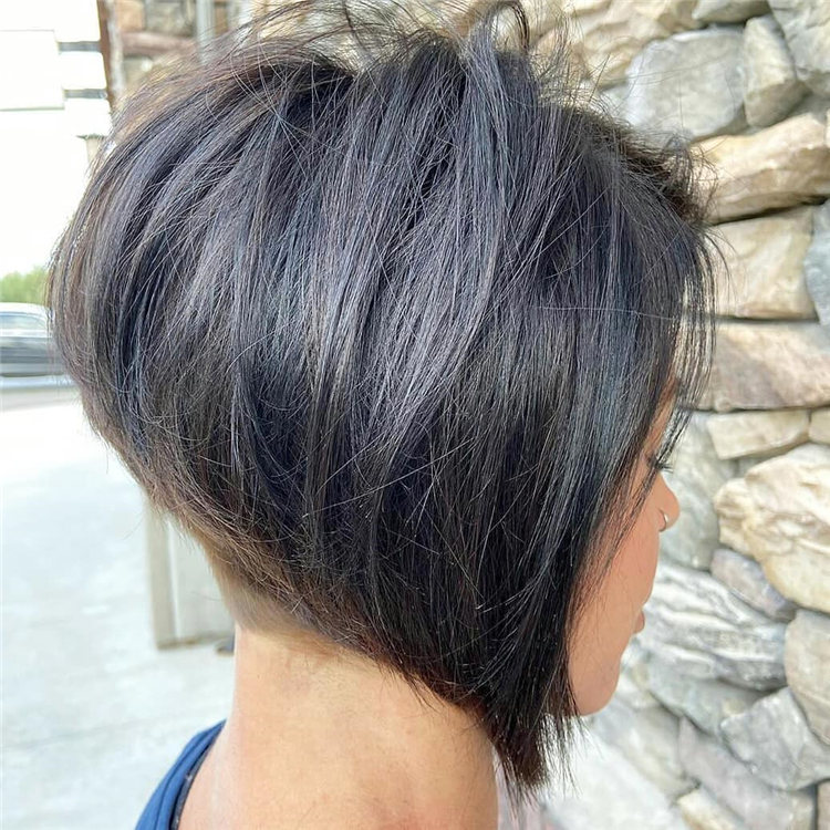 Incredible Short Inverted Bob Haircuts to Get You Inspired in 2021 12