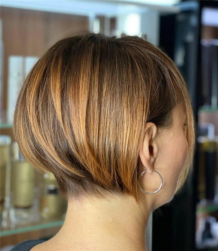 Incredible Short Inverted Bob Haircuts to Get You Inspired in 2021 27
