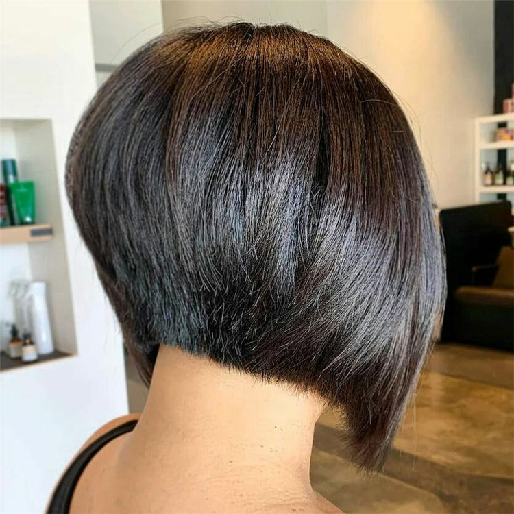 Incredible Short Inverted Bob Haircuts to Get You Inspired in 2021 40