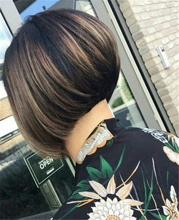 Incredible Short Inverted Bob Haircuts to Get You Inspired in 2021 49