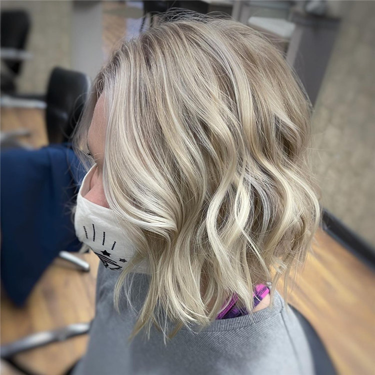 Cool Bob Haircut With Layers That You Must Try in 2021 14