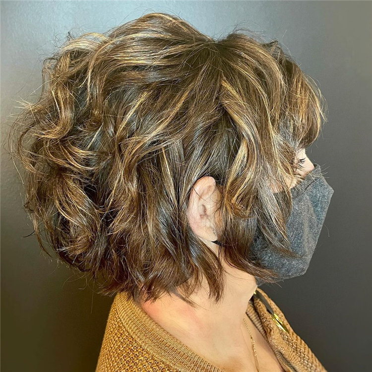 Cool Bob Haircut With Layers That You Must Try in 2021 18