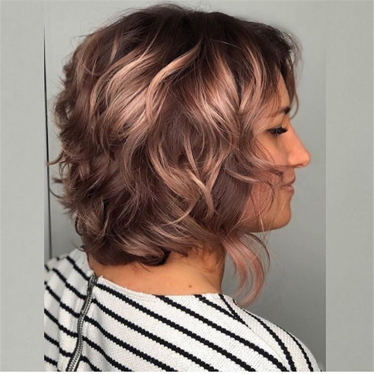 Cool Bob Haircut With Layers That You Must Try in 2021 21