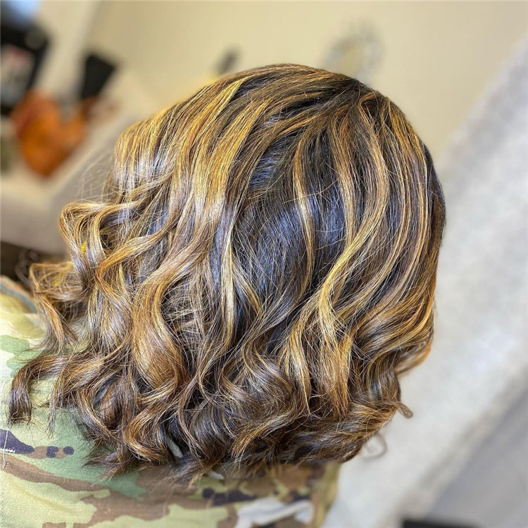 Cool Bob Haircut With Layers That You Must Try in 2021 31