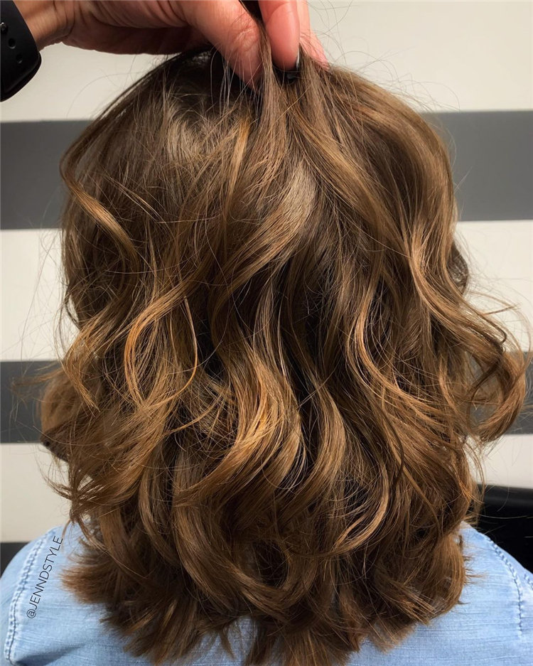 Cool Bob Haircut With Layers That You Must Try in 2021 39