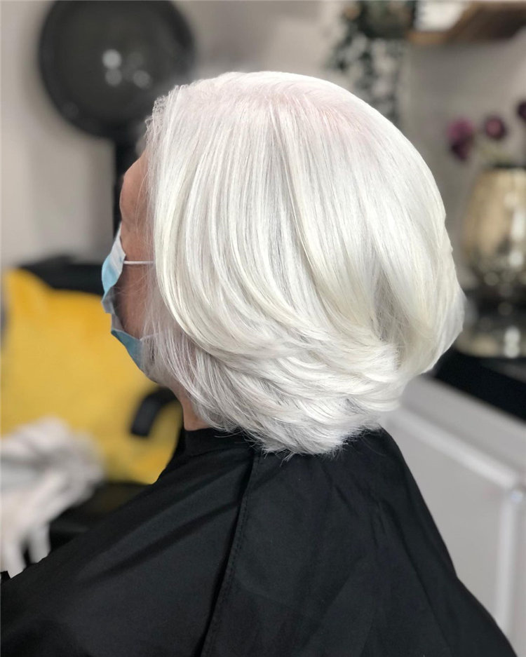 Cool Bob Haircut With Layers That You Must Try in 2021 50