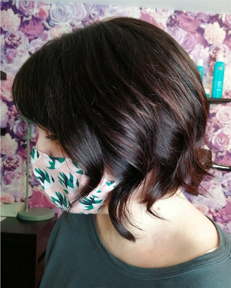 Cool Bob Haircut With Layers That You Must Try in 2021 54