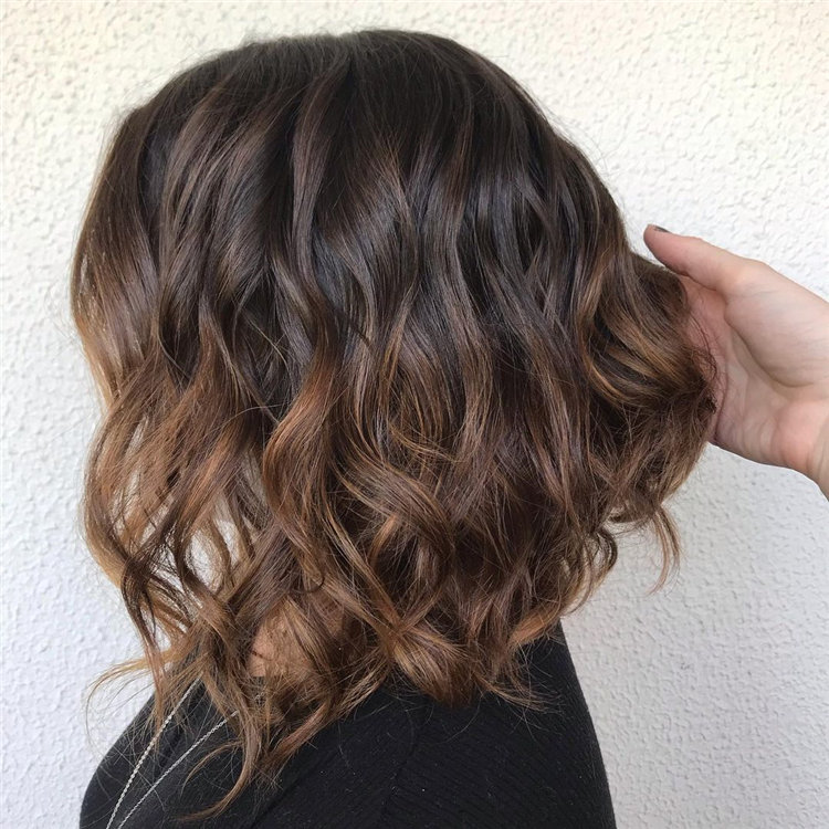 Cool Bob Haircut With Layers That You Must Try in 2021 58