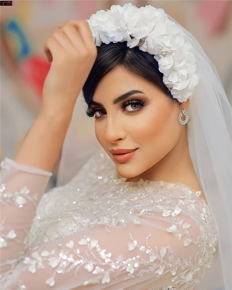 Wedding Hairstyles with Veil to Look Gorgeous for 2021 02