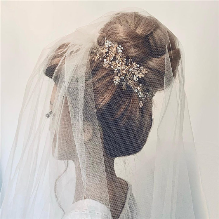 Wedding Hairstyles with Veil to Look Gorgeous for 2021 03