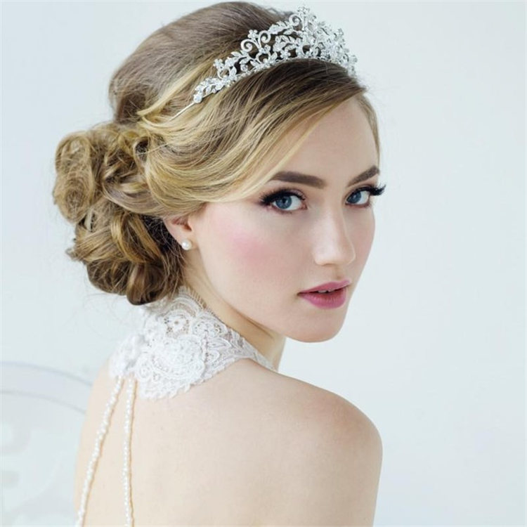 Wedding Hairstyles with Veil to Look Gorgeous for 2021 34