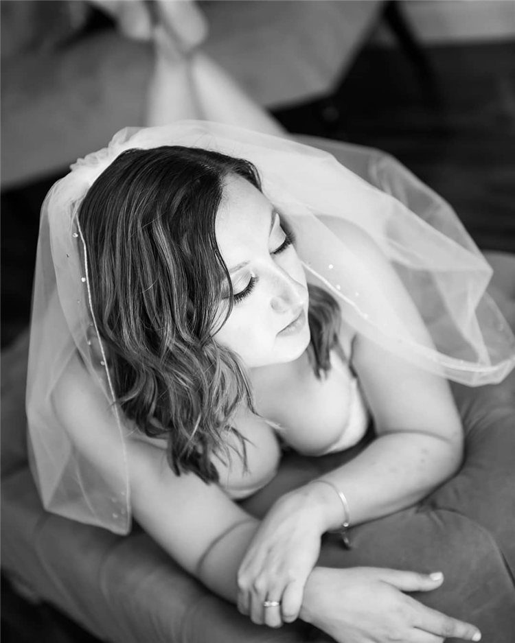 Wedding Hairstyles with Veil to Look Gorgeous for 2021 39