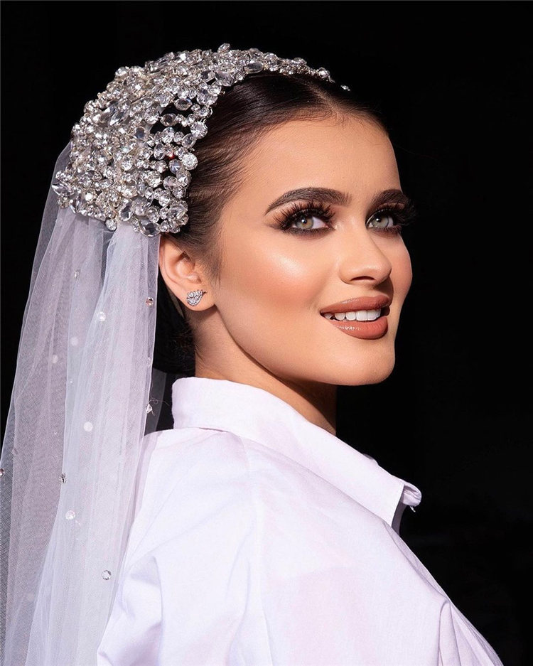 Wedding Hairstyles with Veil to Look Gorgeous for 2021 41