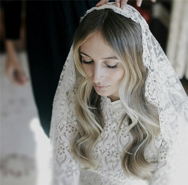 Wedding Hairstyles with Veil to Look Gorgeous for 2021 45