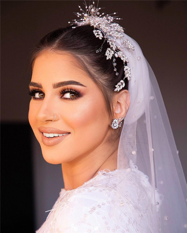 Wedding Hairstyles with Veil to Look Gorgeous for 2021 46