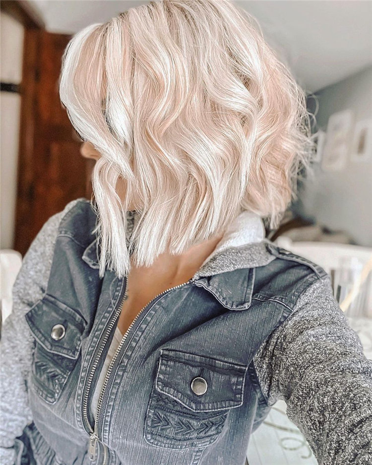 Angled Lob Blonde Hairstyles