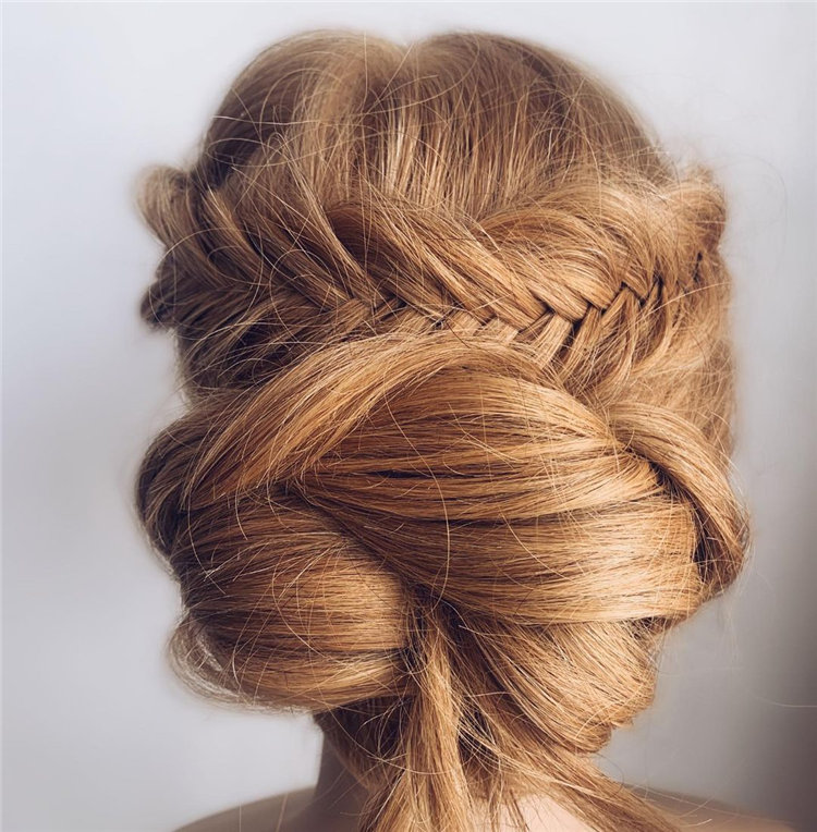The Knot Updo